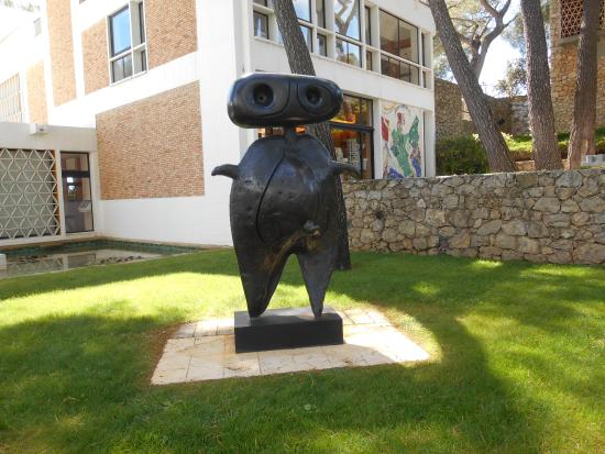 Scultura di Joan Miro alla Fondation Maeght